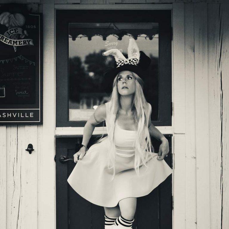 Arriva da Nashville Melanie Sandford con il nuovo singolo Moxie
