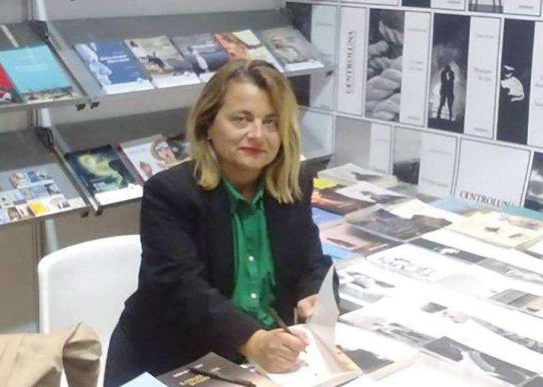 """La scrittrice Antonella Ferrari pubblica il libro """"Adelaide"""""""